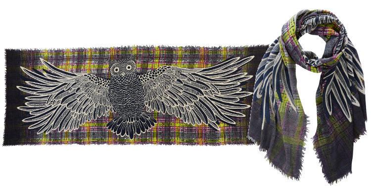 """Foulards de la marque Inouitoosh 2014, """"Le hibou"""", couleur gris et vert."""