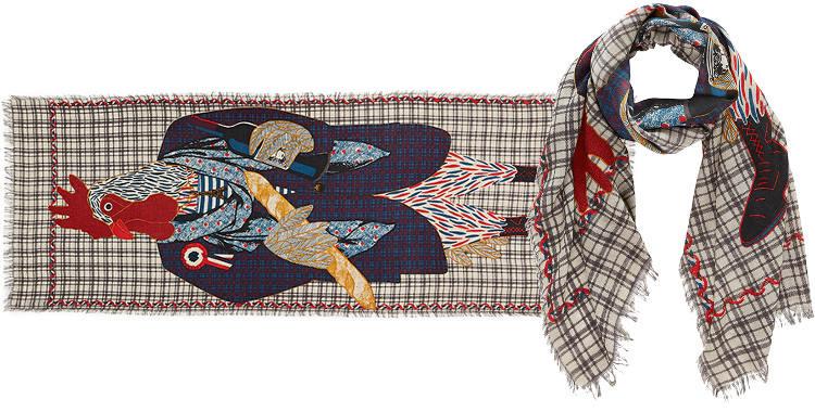 Ci-dessus ; Le Coq, étole étamine de laine et soie, dimensions 70 x 180 cm, coloris rouge.