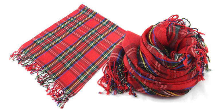 Foulards en étamine de laine, motifs à carreaux écossais, coloris rouge, dimensions 180 cm x 70 cm.