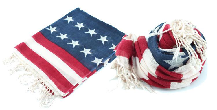 Foulards en étamine de laine, motifs stars and stripes, drapeau United States, coloris original, dimensions 180 cm x 70 cm.
