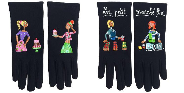 Gants taille unique en tissu noir de la maison Quand les poules auront des gants, collection 2015, décorés de la patissière, sa cliente et ses gateaux, décorés de jeunes femmes devant leurs stands au petit marché bio.