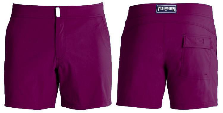 Maillot de bain de luxe pour homme, poches sur les côtés, poche arrière avec rabat, slip intérieur en coton, bouton métal, zip, coloris violet.
