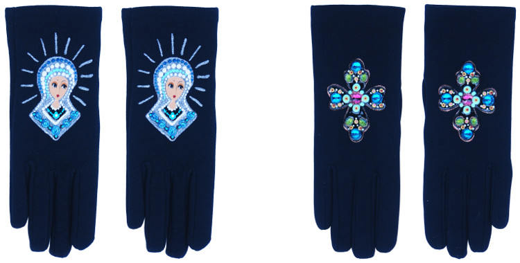 Les gants fantaisie de la marque Quand les poules auront des gants sont peints à la main et au pochoir, modèles la Madone et la croix.