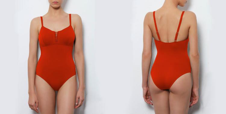Maillot de bain une pièce Dnud 2017, modèle Corset, décolletté droit avec laçage et couture sous poitrine, bretelles réglables sur l'épaule, coloris orange.