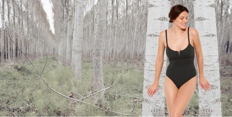 Maillot de bain une pièce Dnud 2017, modèle Corset, décolletté droit avec laçage et couture sous poitrine, bretelles réglables sur l'épaule.
