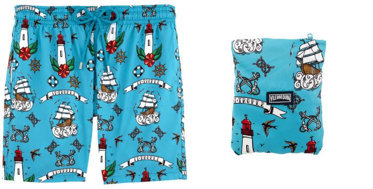 Maillot de bain pour hommes, Vilebrequin 2017, modèle Mahina, les tatouages, en tissu ultra léger, pliable dans la poche arrière zippée, poches sur les côtés, coloris bleu.