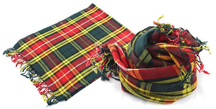 Foulards imprimé, à porter en étole ou en écharpe, en étamine de laine 100%, Glen Prince hiver 2017, motifs tartans écossais, dimensions : 180 x 70 cm, coloris rouge et jaune.