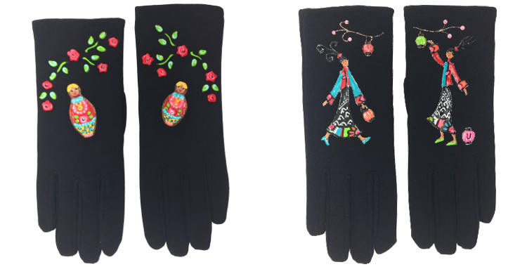 Les gants fantaisie, de la maison Quand les poules auront des gants, sont peints à la main et taille unique, Les Matriochkas (à gauche) ou La Japonaise (à droite)