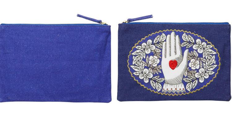 pochette en coton, imprimée et brodée,coeur sur la main, Inouitoosh 2018