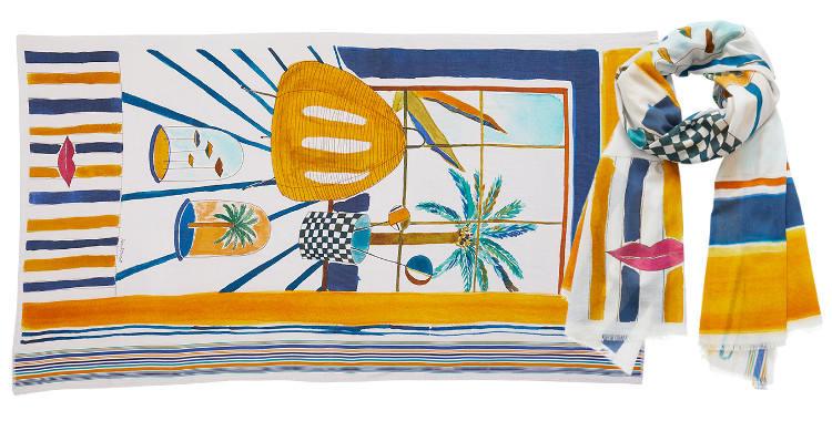 Ce foulard imprimé en coton, représente un décor peint à l'aquarelle de l'artiste Alma, en coloris jaune.