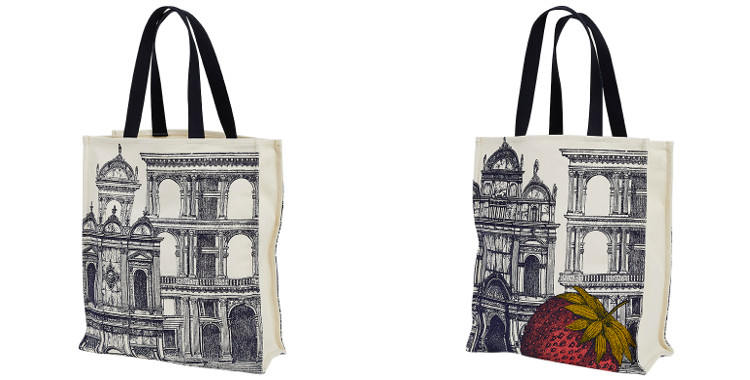 Ce sac Inouitoosh, en coton canvas imprimé, représente une cité de la Renaissance italiennne avec un fraise en avant plan.