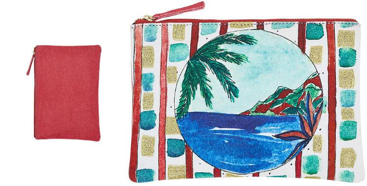 Cette pochette inouitoosh en coton imprimé représente une vue depuis un hublot de la côte d'un littoral marin.