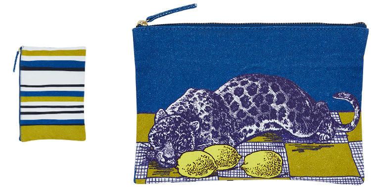 Cette pochette inouitoosh en coton imprimé représente une panthère, des citrons et un sol en damiers jaunes et blanc.