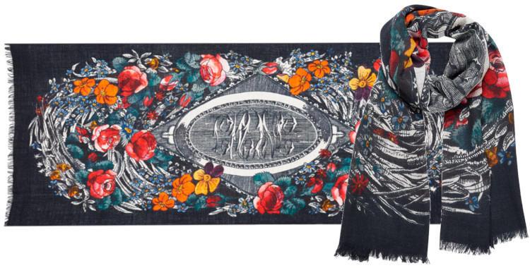 foulard laine, inouitoosh hiver 2019, fleurs sur fond noir.