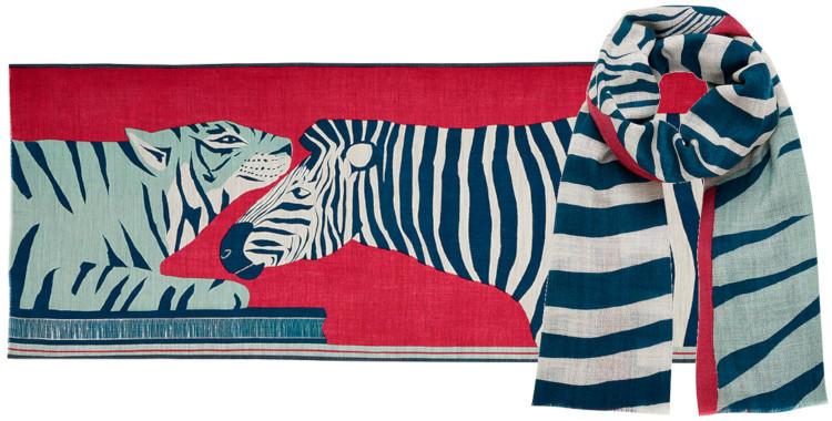 foulard laine, Inouitoosh hiver 2019, un tigre, un zèbre, coloris rose fushia .