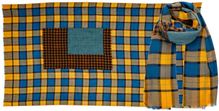 foulard laine inouitoosh hiver 2020, patchwork à carreaux, en bleu et jaune.